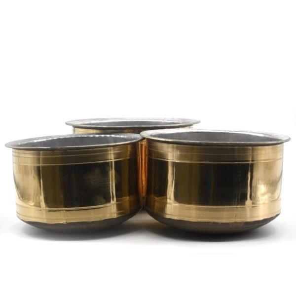 bronze curry pot
